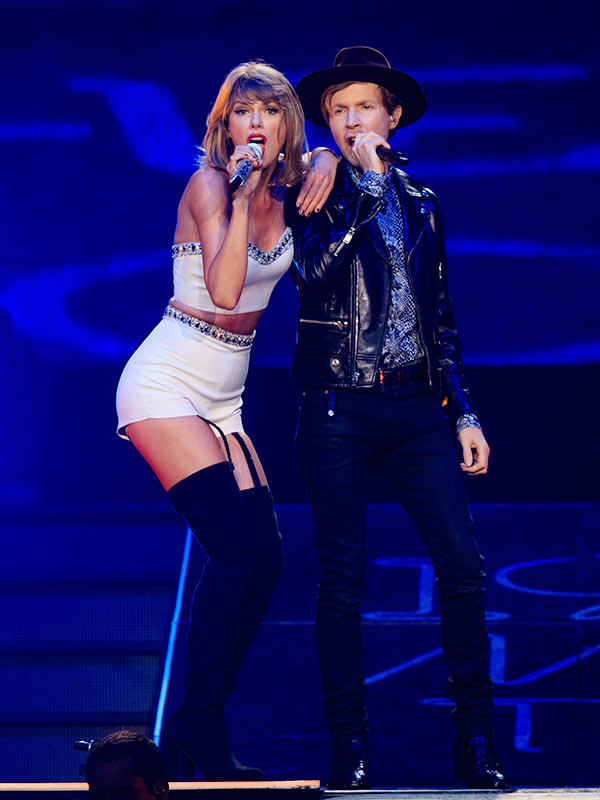 taylor-swift-beck-duet-video-gty-ftr